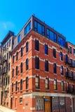 Старая квартира кирпича в голубом Windows Стоковые Фотографии RF