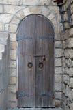 Старая кирпичная стена и старая винтажная дверь Стоковое Изображение