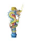Старая китайская изолированная статуя дракона стоковые изображения rf