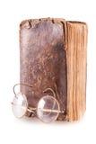 Старая книга и стекла Стоковое фото RF