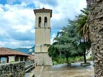 Старая колокольня в Herceg Novi Городок Herceg Novi в Черногории Крепость в старом городке в летнем дне стоковые изображения