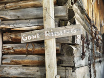 старая конюшня знака Стоковое Фото