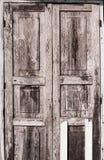 Старая коричневая дверь Стоковые Изображения