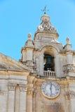 Старая колокольня под голубым небом Стоковые Изображения RF