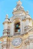 Старая колокольня под голубым небом Стоковые Изображения
