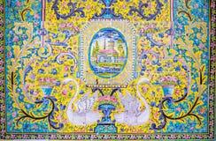 Старая красивая картина мозаики на стене на дворце Golestan, Иране Стоковые Изображения RF