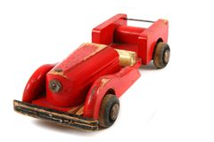 Старая красная деревянная игрушка автомобиля Стоковые Изображения RF