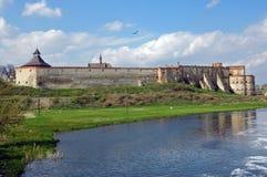 Старая крепость над рекой Стоковые Фотографии RF