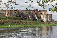 Старая крепость над рекой Стоковые Изображения