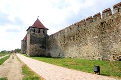 Старая крепость на реке Днестре в гибочном устройстве городка, Приднестровье Стоковое Изображение