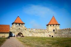 Старая крепость на реке Днестре в гибочном устройстве городка, Приднестровье Город внутри границы Молдавии вниз unrecogni управле стоковая фотография rf