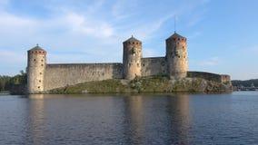 Старая крепость Olavinlinna, день в июле Savonlinna, Финляндия сток-видео