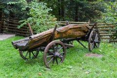 Старая крестьянская тележка как украшение Стоковое Изображение RF