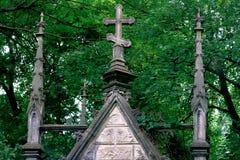Старая крипта в Baykovoe cemetry Стоковое Фото