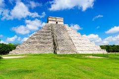 Старая майяская пирамида, висок Kukulcan на Chichen Itza, Юкатане, Мексике Стоковое Изображение RF