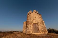 Старая малая каменная церковь St Nicholas стоковая фотография
