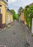 Старая малая улица европейского городка Стоковые Изображения RF