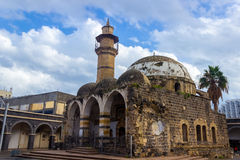 Старая мечеть, распадаться, понижаясь врозь Стоковая Фотография RF