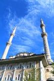 Старая мечеть Haydarpasa тахты в небе Стоковые Изображения RF