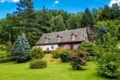 Старая дом в древесинах Стоковая Фотография