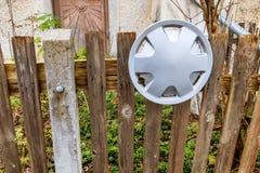 Старая оправа загородки и алюминия Стоковое Фото