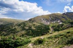 Старая дорога Fall River - национальный парк Колорадо скалистой горы Стоковое Изображение
