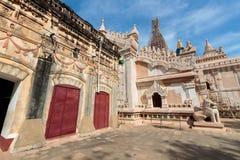 Старая пагода Bagan Ananda (языческое), Мандалай, Мьянма (Бирма стоковые фотографии rf