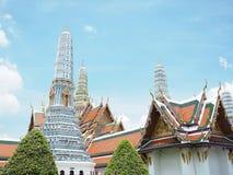 Старая пагода и старый дворец с солнечностью и голубым небом Стоковые Фото