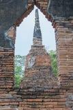 Старая пагода Wat Mahathat Ayutthaya Стоковое Изображение
