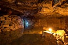 Старая покинутая затопленная шахта Gurievsky известняка в Byakovo, области Тулы Стоковая Фотография