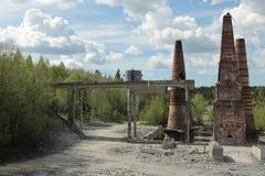Старая покинутая мраморная фабрика в Ruskeala, России Стоковые Изображения