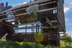 Старая покинутая фабрика Обрабатывать зерна стоковое фото