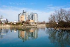 Старая покинутая фабрика, промышленная археология Италия Стоковая Фотография RF