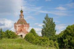 Старая покинутая церковь стоковые фото