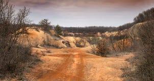Старая покинутая шахта боксита в Венгрии, поверхностном минировании, Gant Стоковое фото RF