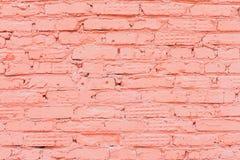Старая покрашенная красная кирпичная стена, естественная грубая песчаная текстура к предпосылке Для естественного дизайна, картин Стоковое Изображение