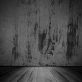Старая поцарапанная стена и деревянный пол Стоковые Изображения RF