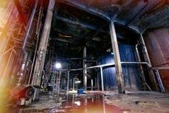 Старая ползучесть, темная распадаясь фабрика Стоковое Фото