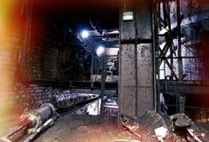 Старая ползучесть, темная распадаясь фабрика Стоковые Фото