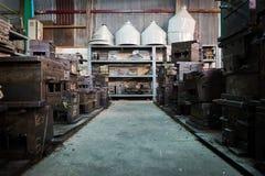 Старая прессформа или старое машинное оборудование в старой фабрике Стоковые Фото