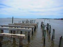 Старая пристань древесины и цемента Стоковая Фотография RF