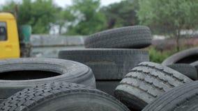 Старая резина автомобиля, автошина, колесо сток-видео