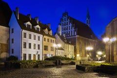 Старая Рига - небольшие средневековые здания стоковая фотография rf