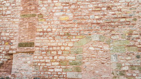 Старая розовая каменная стена на Hagia Sophia - Стамбуле, Турции Стоковые Изображения RF