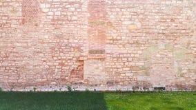 Старая розовая каменная стена на Hagia Sophia - Стамбуле, Турции Стоковые Изображения