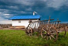 Старая румынская крестьянская тележка. Стоковые Фото