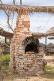 Старая русская печь в дворе outdoors Стоковое Фото
