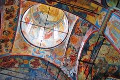 Старая Русская православная церковь интерьера St Nicholas строя Стоковая Фотография RF