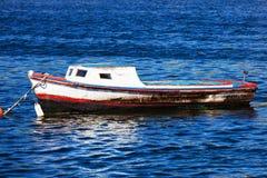 Старая рыбацкая лодка Стоковые Фотографии RF
