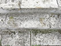 Старая серая лестница Лестница старых серых кирпичей, винтажное Stairc стоковая фотография